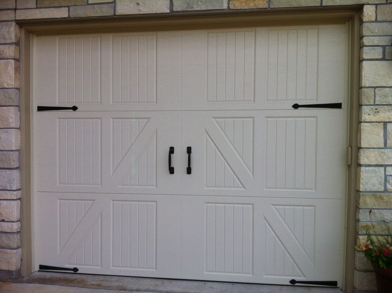 Carriage Style Garage Doors In Austin Tx Cedar Park